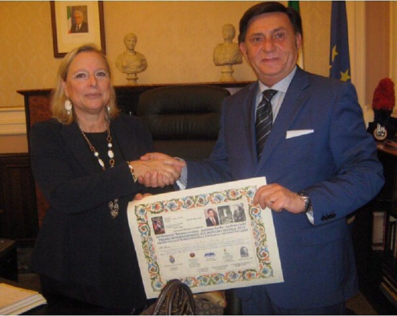 """Premio internazionale """"Livatino Saetta Costa"""" al prefetto di Catania"""