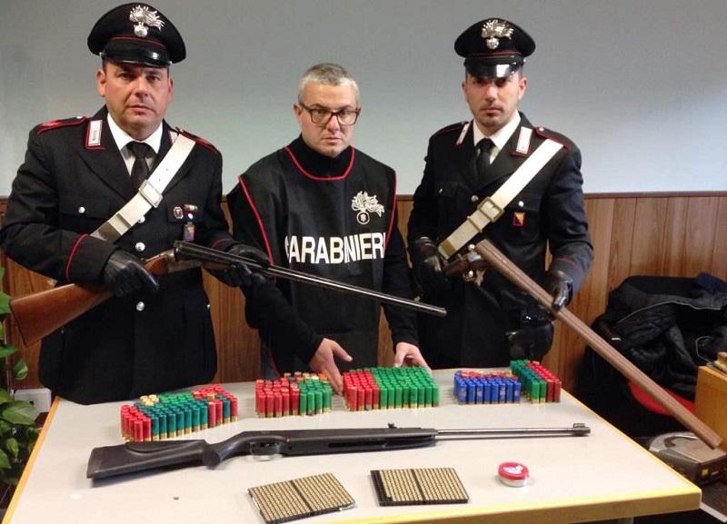 Catania, mini arsenale in casa: arrestato pregiudicato