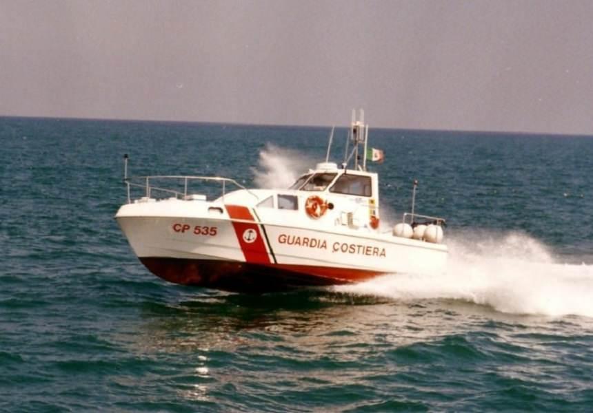 Stromboli: velivolo precipita in mare, morti padre e figlio