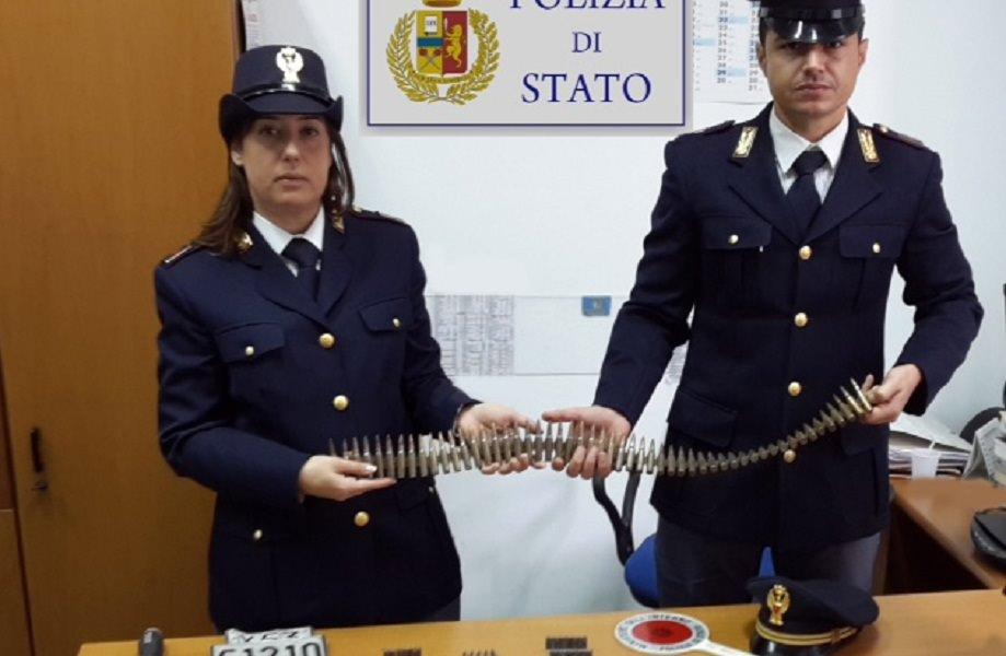 Palermo: polizia scopre munizioni da guerra nascoste in una discarica abusiva