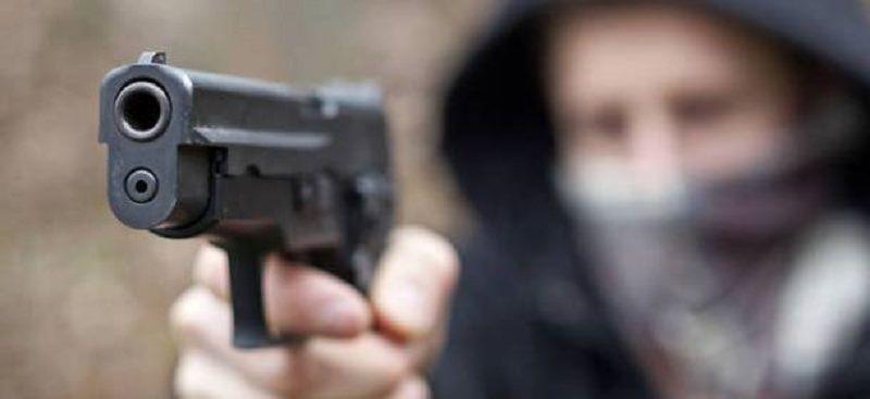 Fucili e pistole alla mano: rapina in un negozio di Carlentini. Bottino da 10 mila euro