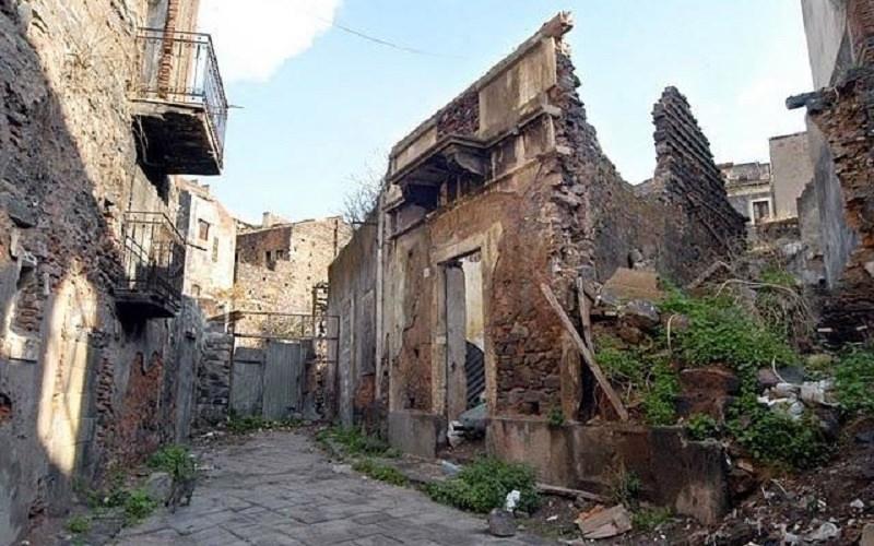 """San Berillo: il comitato """"Cittadini Attivi"""" denuncia il degrado del quartiere e lancia un appello"""