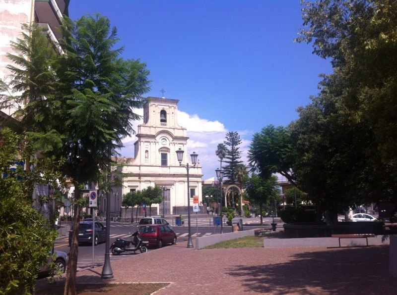 Coronavirus: sindaco del Catanese dispone chiusura di cimiteri, parchi e mercati
