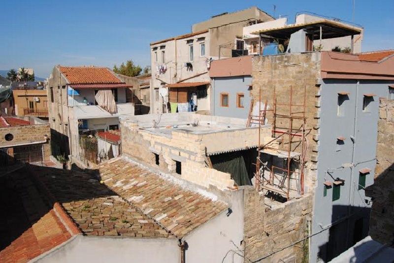 Palermo, sequestrati cinque immobili per lavori abusivi