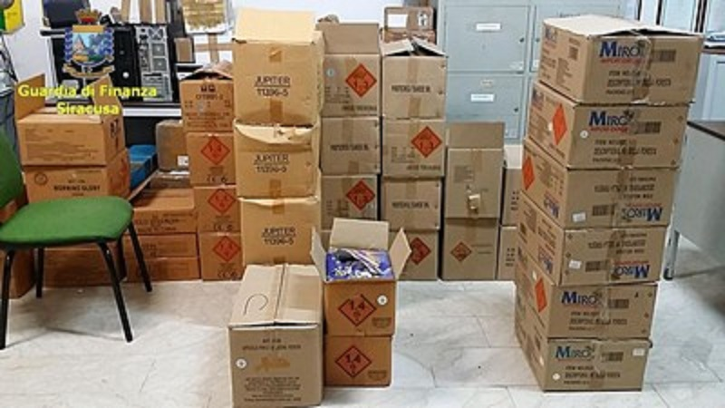 200 chili di botti illegali: maxi-sequestro in deposito siracusano