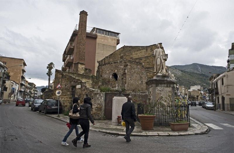 Palermo, danni al Centro Padre Nostro: appello al presidente Mattarella