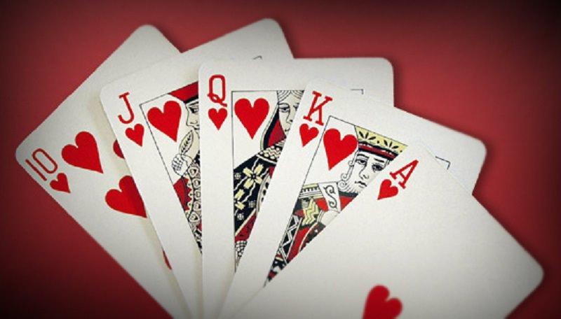 A Natale con le carte: tradizione e divertimento