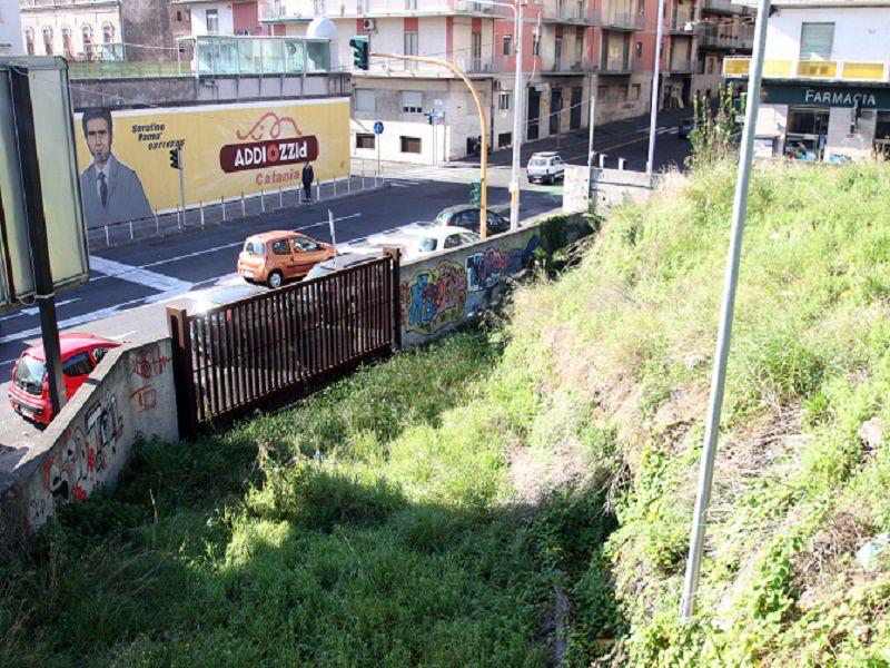 Traffico, degrado e abbandono nel cuore di Catania