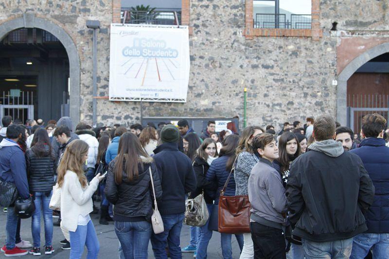 """Salone dello studente alle Ciminiere, Bianco: """"Investiamo sui giovani"""""""