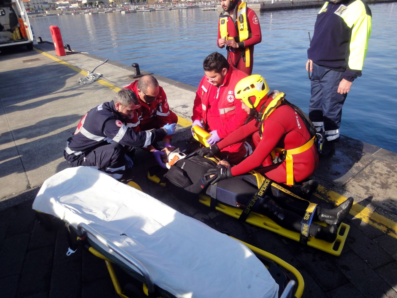 Riposto, simulazione di salvataggio in mare