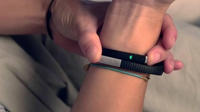 Taglia il braccialetto elettronico ed evade dai domiciliari: arrestato Davide Isola