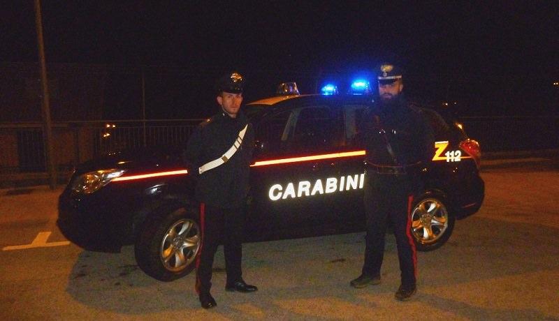 Bimbo di 3 anni di notte in pigiama da solo per Palermo. Lo trovano i carabinieri
