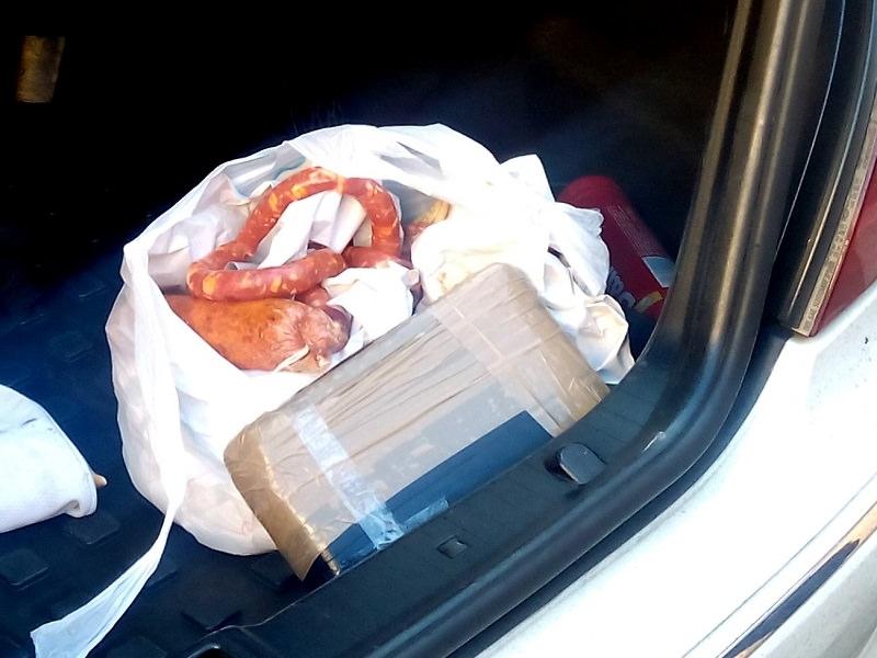 Cocaina fra salsicce e 'nduja: arresto nel quartiere di Zia Lisa