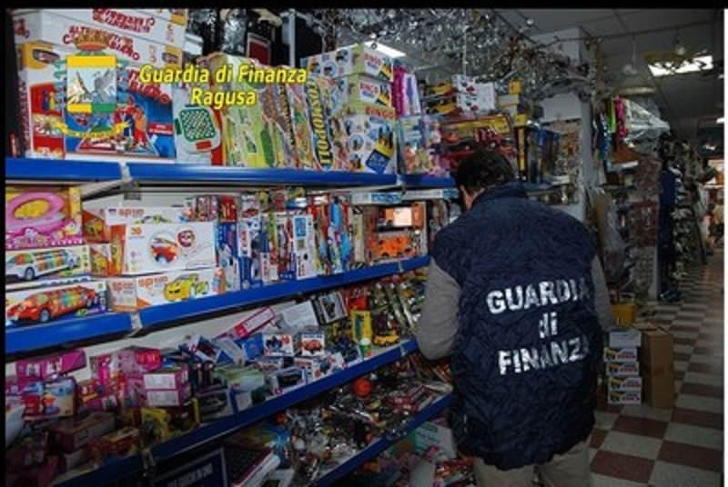 Vittoria: sequestrati oltre 40 mila prodotti illegali