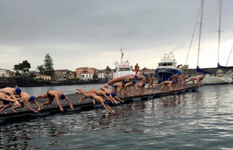 San Silvestro a mare: Ognina e la tradizionale gara di nuoto