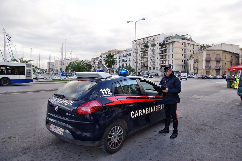 Investe 4 giovani e scappa: arrestato pirata della strada a Palermo