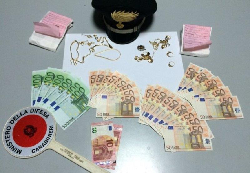 Palagonia, ruba soldi e oro alla zia: denunciato