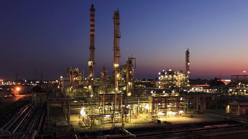 Gela: continua la protesta dei dipendenti del petrolchimico. Domani tavolo di confronto