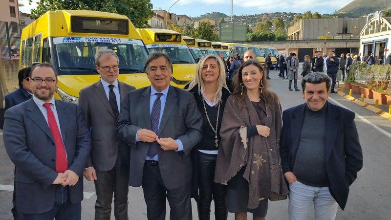 A Palermo inaugurata flotta di autobus per gli studenti