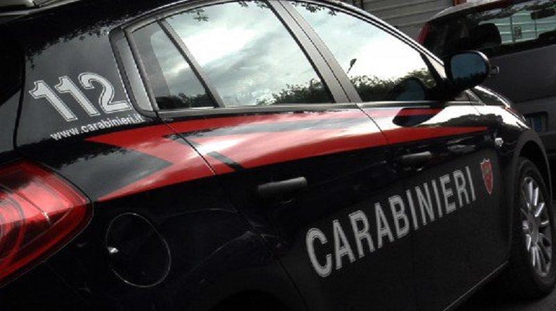 """Carabinieri, contrasto al """"caporalato"""": scoperti 11 lavoratori in nero e 3 attività sospese a Catania"""
