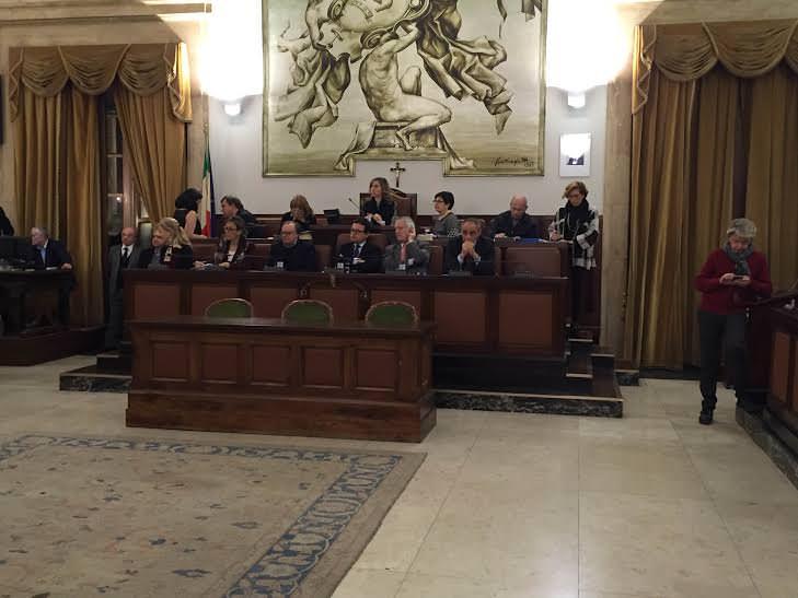 Catania consiglio rinviato sul contratto di servizio for Ufficio decoro urbano catania