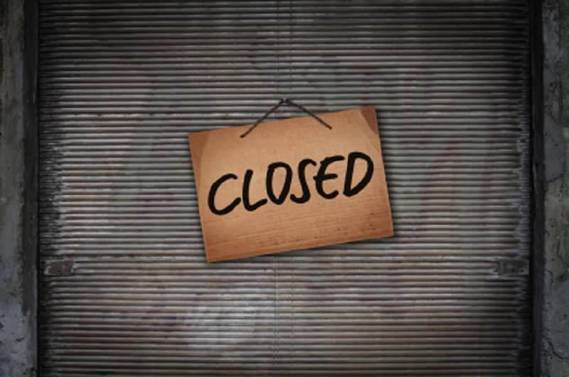 Primo maggio, centri commerciali chiusi: relax dei dipendenti prima di un fine settimana di fuoco