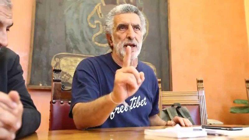 """""""Giudicatemi dai fatti e non dalle chiacchiere"""", Accorinti si ricandida: l'annuncio su Facebook"""