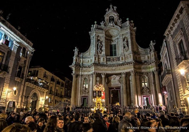 Scatti di Sicilia: le candelore a Piazza San Placido