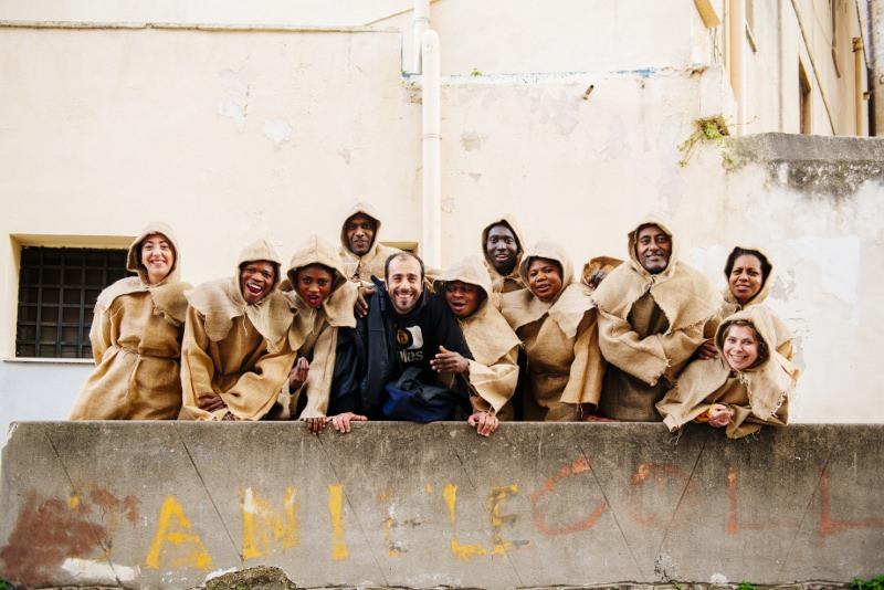 Dai centri d'accoglienza al Teatro: migranti attori per un giorno