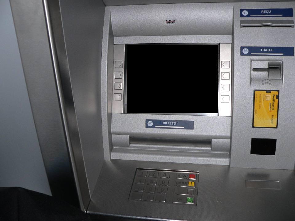 Truffe del bancomat: secondo la Cassazione è responsabile anche la banca