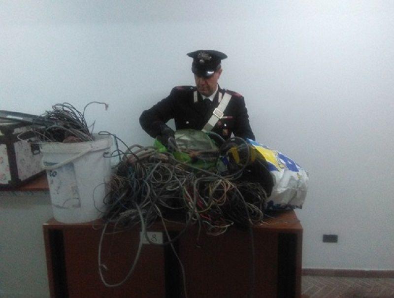 Ruba circa 70 Kg di rame in un deposito della Marina. Arrestato