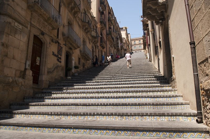 Problematiche e ipotesi sul recupero del patrimonio culturale di Caltagirone
