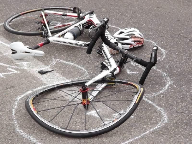 Travolto da un ubriaco alla guida, muore un ciclista di 76 anni