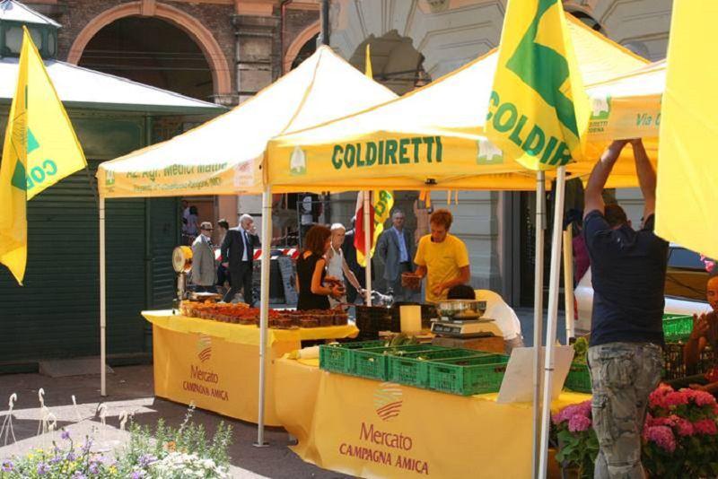 Dal caffè Mafiozzo allo snack Chilli Mafia: Coldiretti chiede aiuto all'UE