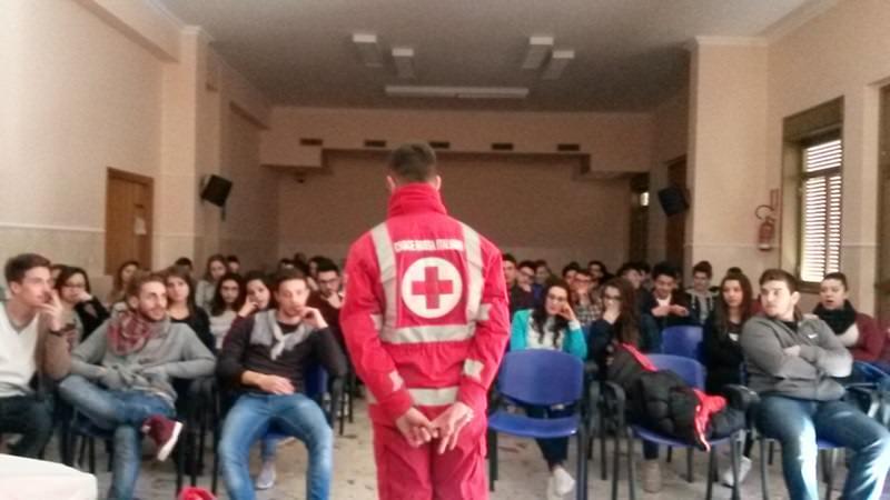 Troina, all'istituto Majorana la prima tappa del #mollettarossatour