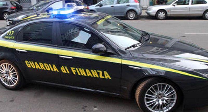 Arrestati per rissa quattro extracomunitari ospiti al C.A.R.A