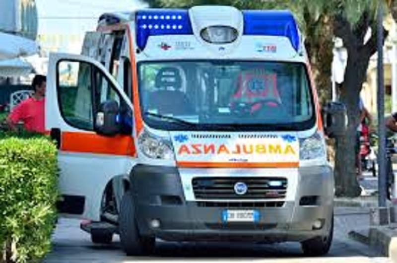 Catania, calci e pugni alla madre: arrestato ragazzo di 20 anni