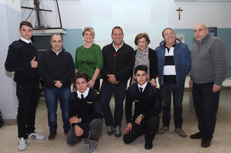 """Studenti del """"Duca degli Abruzzi"""" incontrano il velista Matteo Miceli"""