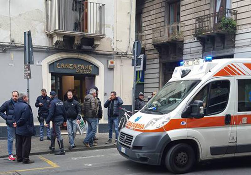 Far West in pieno centro a Catania, rapina con spari ai danni di una gioielleria