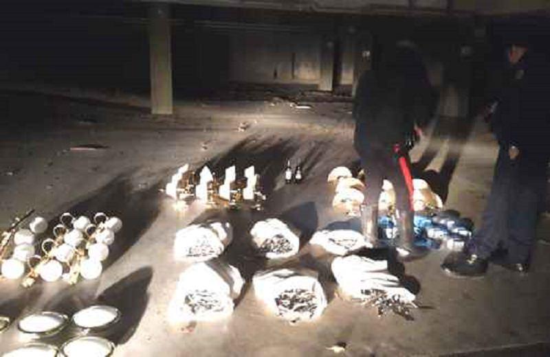"""Dodici sacchi con lampadari, asciugacapelli e 100 chili di posate: in manette il ladro del """"Genoardo Park Hotel"""""""