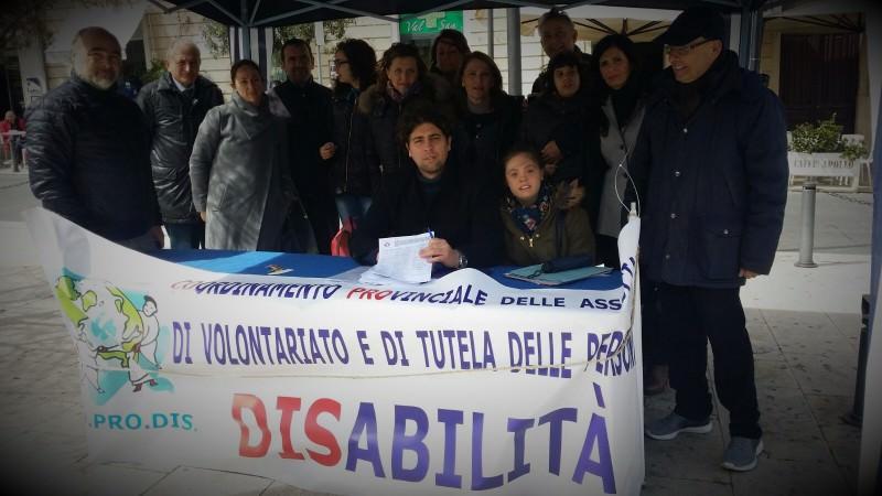 Servizi pro disabili, tante firme a Siracusa