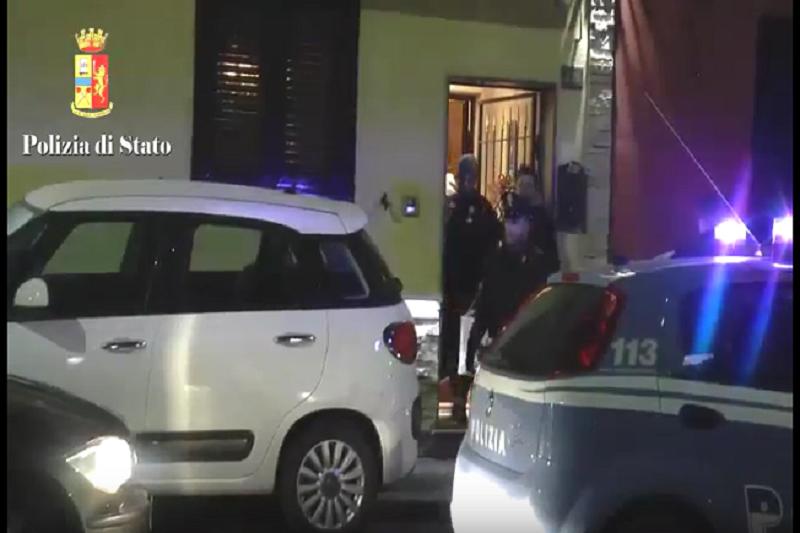 Dalla Calabria alla Sicilia: la droga venduta in due storici rioni catanesi. Nove arresti