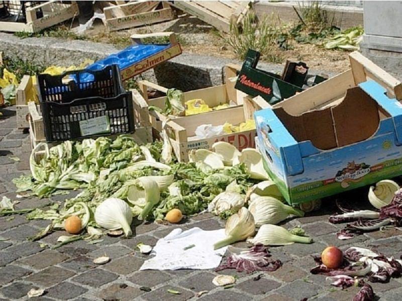 """""""Contro ogni spreco"""" a Palermo, d'ora in poi l'ortofrutta invenduta sarà destinata ai più bisognosi"""