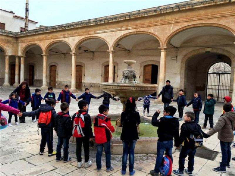 """Comiso, piccole guide turistiche crescono con """"Vetrina Scolastica 2016"""""""