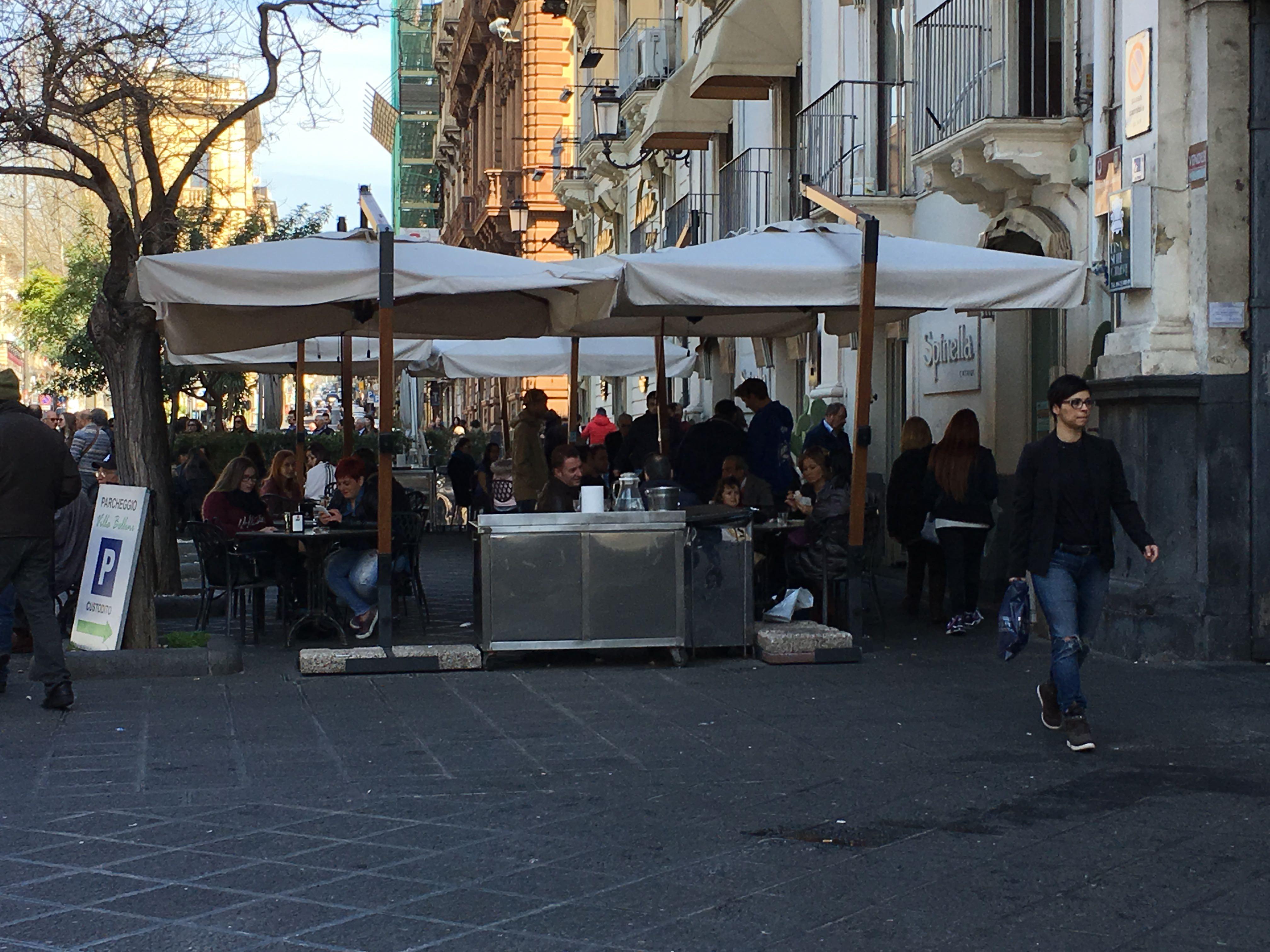 """Catania senza ristoranti stellati. La gente: """"Questione di gusto e portafogli"""""""