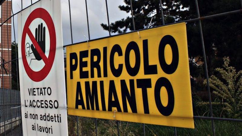 """Amianto, la fibra """"killer"""" che colpisce dagli anni '70: i dati"""