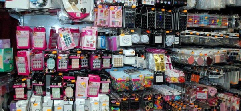 Siracusa, sequestrati 800 mila prodotti contraffatti a negozi cinesi