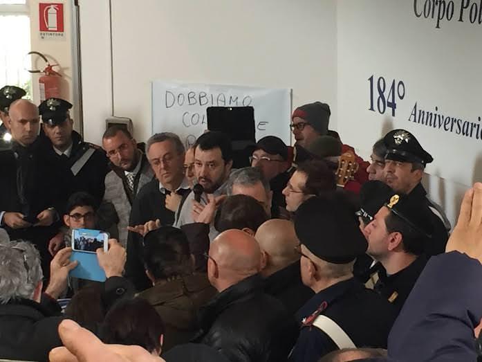 """Vittoria, Salvini attacca UE e Crocetta: """"Ci stanno massacrando e il governatore è una calamità"""""""