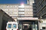 Cede il tetto mentre lavora, operaio ferito lascia la Rianimazione: aperta inchiesta sull'incidente