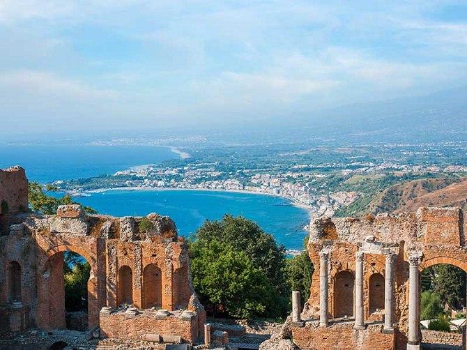 Taormina: deceduto giornalista francese nella camera d'albergo